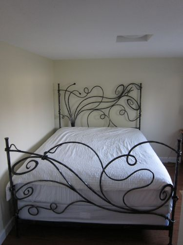 dragonfly-wrought-iron-bed-05