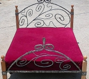 wrought-iron-bed-01