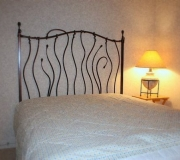 wrought-iron-bed-03
