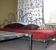 wrought-iron-bed-16