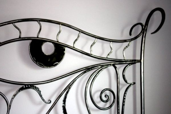 hourse-eye-wrought-iron-bed-08