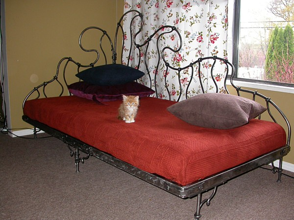 wrought-iron-bed-15