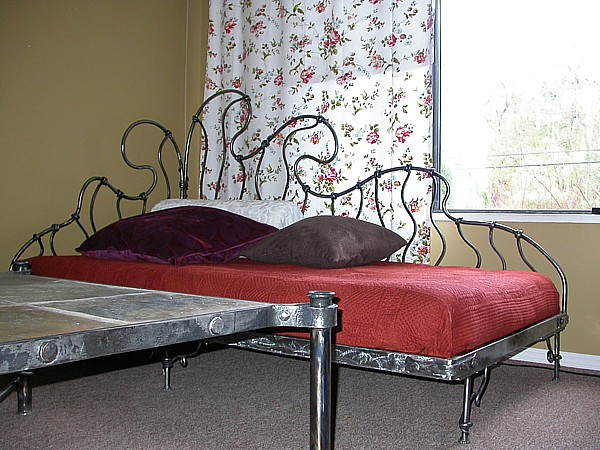 wrought-iron-bed-16 (1)