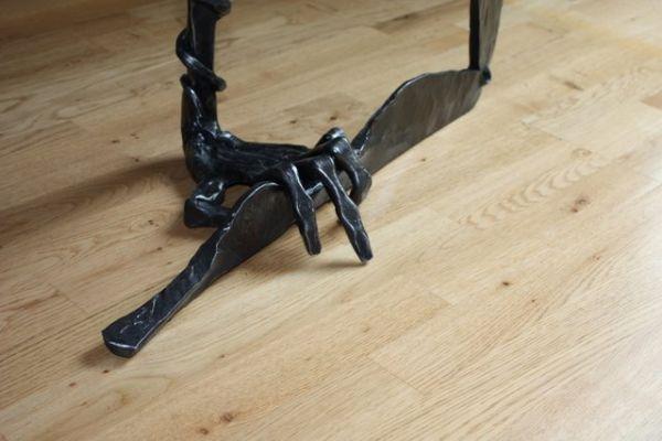 wrought-iron-hands-bt61-06